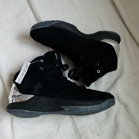 16238a417a14 NWT Curry 1 lux suede black and chrome